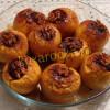 Запеченные яблоки с орехами изюмом и курагой