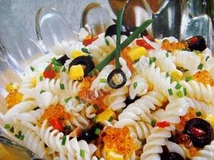 салат  с  рисовыми  макаронами