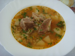 суп с говяжьей грудинкой и перловой крупой