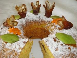 Постный пирог с морковью и финиками