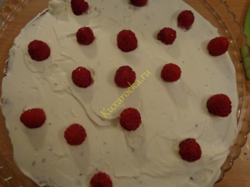 Shokoladnyj-tort-malinovyj-poceluj