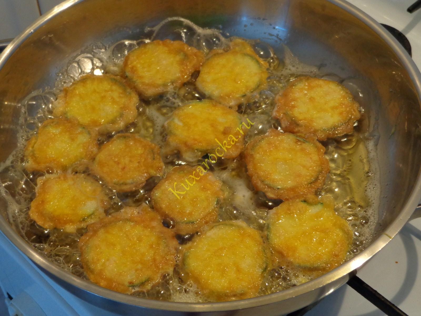 Как жарить кабачки на сковороде в муке рецепт пошагово