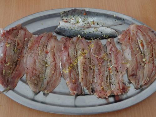 Slojki-s-sardinoj