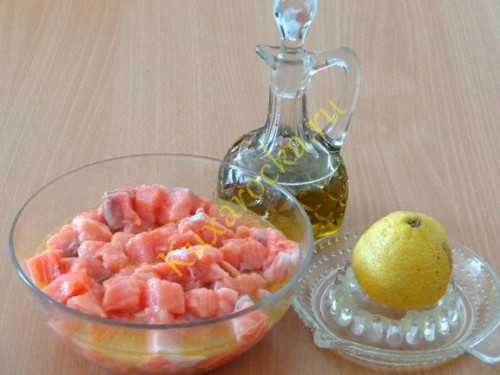 losos-marinovannyj-pod-sousom-iz-maslin