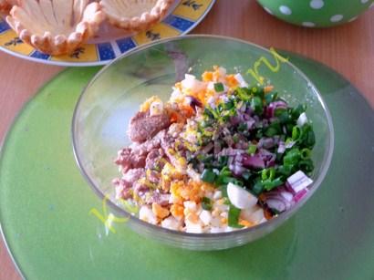 zakuska-iz-pecheni-treski-v-tartaletkax-recept