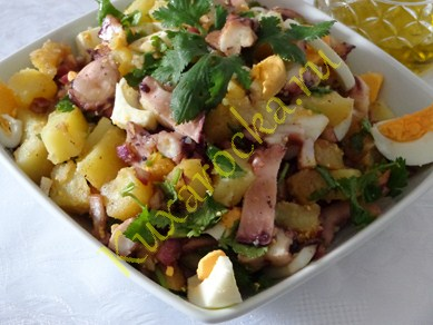 recept-salata-s-shhupalcami-kalmara
