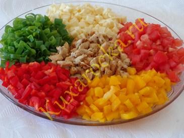 salat-kalejdoskop-recept-s-kuricej