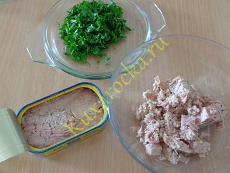 perec-farshirovannyj-polovinkami-v-duxovke-s-tuncom-recept