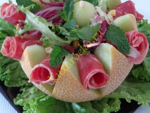 salat-s-dynej-i-parmskoj-vetchinoj-vkus-sredizemnomorya