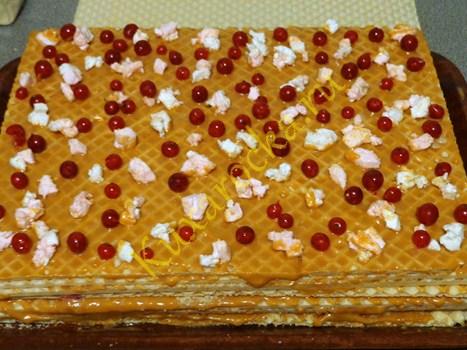 vkusnyj-vafelnyj-tort-s-zefirom