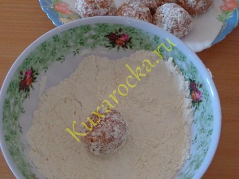 zapechennye-tefteli-v-smetannom-souse-s-karri-recept
