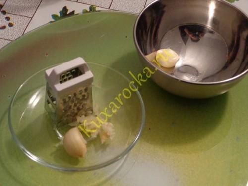 salat-iz-svinyx-ushej-po-sredizemnomorski